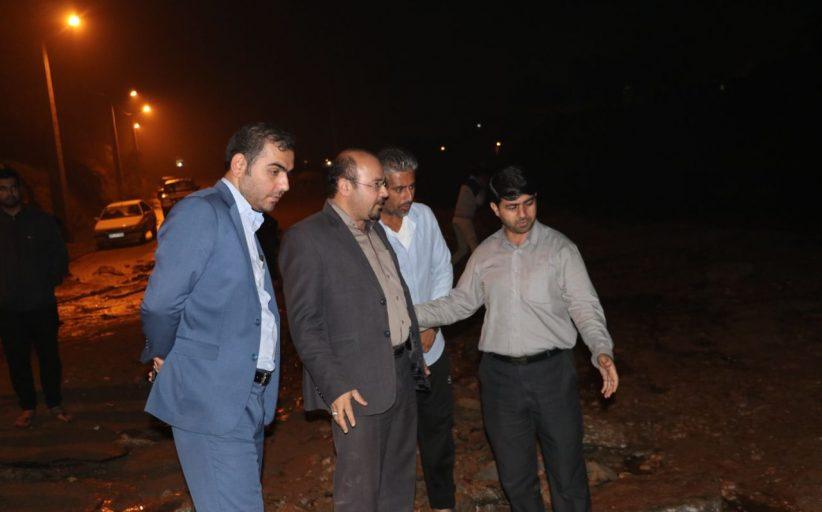 تلاش جهادی شهرداری مسجدسلیمان برای رفع آبگرفتگی و پاکسازی معابر+ تصاویر