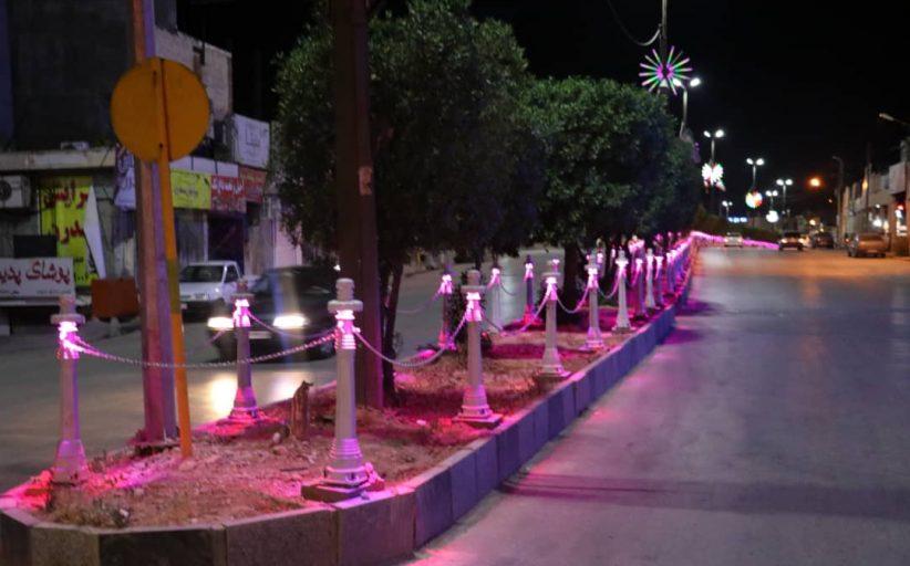 نصب چراغهای تزئینی بلوار اصلی خیابان آزادی به پایان رسید