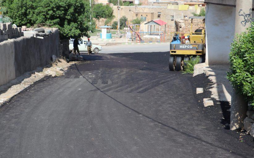 زیرسازی و روکش آسفالت کوی نسترن در منطقه نمره هشت با مساحت تقریبی ۲ هزار متر مربع عملیاتی شد
