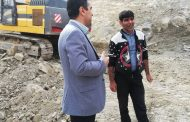 بازدید دکتر شعبانی شهردار مسجدسلیمان از روند پروژه تپه رانشی منطقه نفتک در روز تعطیل به روایت تصویر