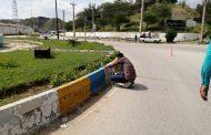 رنگ آمیزی جداول سطح شهر توسط شهرداری مسجدسلیمان در حال انجام است