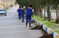 پاکسازی عمومی جاده بی بیان توسط واحد خدمات شهری شهرداری مسجدسلیمان