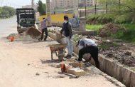 عملیات بهسازی و ساماندهی پیاده رو سازی بلوار سلامت در ورودی شهر مسجدسلیمان در حال اجرا است